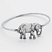 Adorable Vintage Elephant Bangle Cuff Bracelet - Silver
