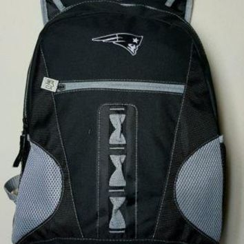 NEW ENGLAND PATRIOTS NFL BLACK CAPTAIN 18'' TEAM LOGO BACKPACK / BAG
