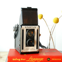 1950's Spartus Full-Vue Camera TLR Box Camera