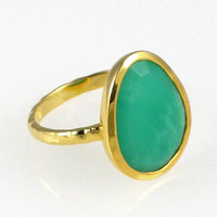 Chrysoprase Gemstone Ring Bezel Set in Gold Vermeil with Hand Hammered Band - Size 6 7 8 9