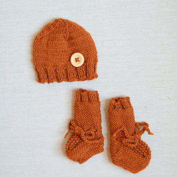 Knit Newborn Hat and Booties Set - Infant Orange Hat and Boots - Newborn Coming Home Set