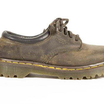 6 uk   90s Dr Martens made in england brown leather oxfords /  vintage 1990s / oxford shoes / Docs / grunge / chunky / womens US 8 / EU 39