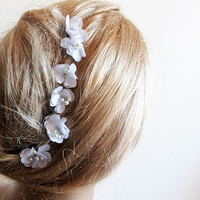 White  Flower Hair Clip, Wedding Hair Accessories, Bridal hair Accessory, Weddings Hair Style, 6 white flower