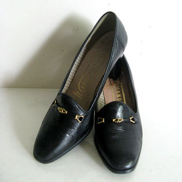 Vintage 1980s Leather Shoes Womens Black Leather Pumps Day Shoes 5F 7US