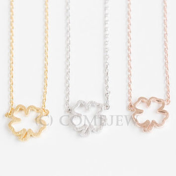 open clover necklace,necklaces,charm necklaces,ladies necklace,girls jewelry,necklace shop,simple necklace,gold,fashion,cute necklace,SJN111
