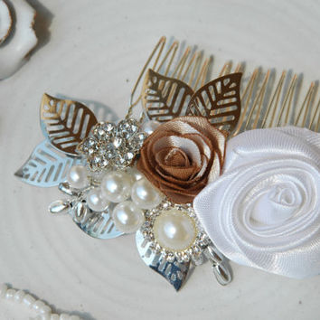 Vintage wedding hair comb, Bridal hair comb, Pearl Hair Comb, Flower Hair Comb, Floral Hair Comb, Pearl Hair Accessories, Wedding hair piece