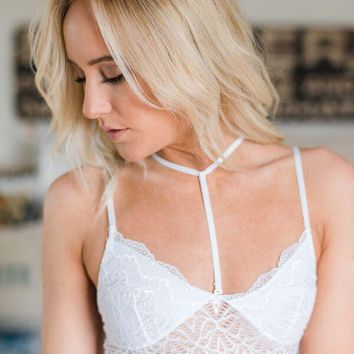 White Center Strap Lace Bralette