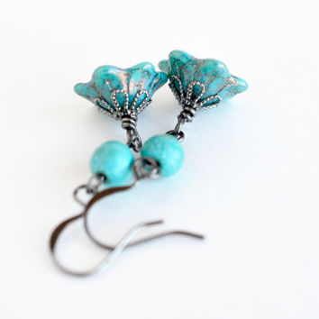 Turquoise flower drop earrings, Czech glass earrings, aqua glass dangle earrings, boho chic blue earrings, vintage inspired blue jewelry