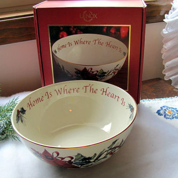Lenox Winter Greetings Christmas Bowl / Lexox Christmas Bowl with Cardinal and Gold Trim