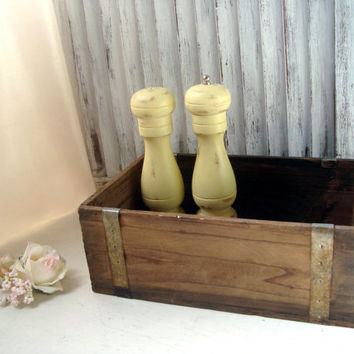 Rustic Wooden Box, Distressed Weathered Storage Box, Decorative Box, Shabby Chic, Centerpiece Planter, Wedding Card Box, French Farmhouse