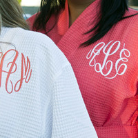 Personalized Waffle Spa Robe with Circle Monogram