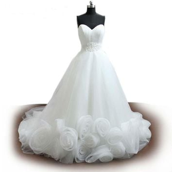 White Tulle Romantic Wedding Dress 3D Floral Beaded Bridal Gown Strapless A-line Wedding Gown
