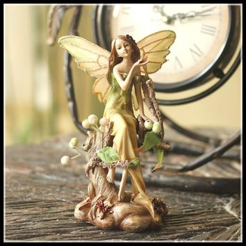 New Decorative Ornaments Girl Figurine Garden Decoration Abstract Sculpture Creative Home Decor Arts Crafts ElimElim