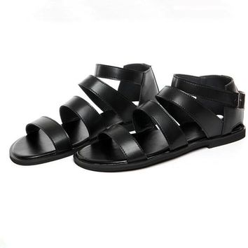 New Summer Ankle Strap Narrow Band Cow Leather Casual Hasp Beach Sandal Peep Toe Mens Giadiator Thong Shoes