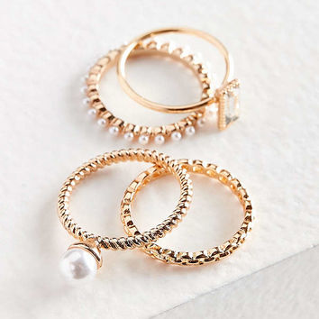 Maeve Pearl Ring Set | Urban Outfitters