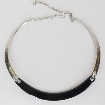 Vintage 70s Necklace / 1970s Minimalist Black Lucite and Silver Tone Collar Choker Necklace