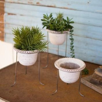 Set Of 3 Whitewashed Clay Bowls With Wire Stands