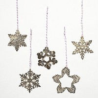 Free People Womens Etched Metal Snowflake Ornament Set