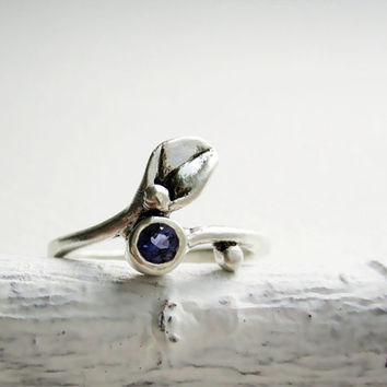 Iolite Small Leaf Silver Ring