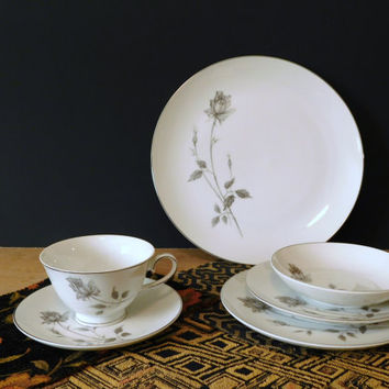 48 Piece China Dinnerware Set, Service for 8, Cordon Bleu Lasting Rose 5881, Made in Japan