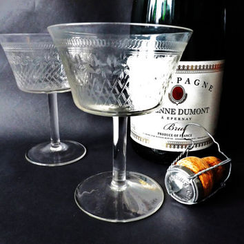 Antique Champagne Glasses, Etched Glasses Wedding Toast, Vintage Stemware, Pall Mall Glasses, Cocktail Glassware, Desert Dishes