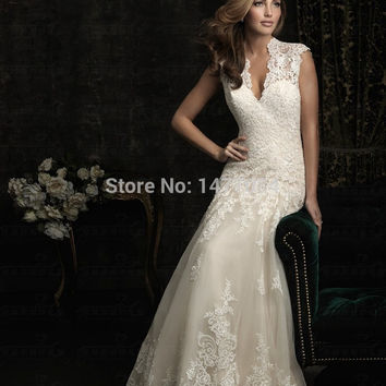 Luxury V Neck Champagne Wedding Dresses 2015 New Design Keyhole Back Lace Bridal Gowns for Women Custom Made