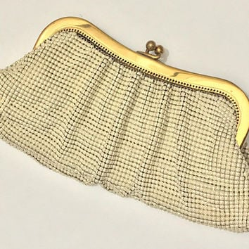 50s WHITING & DAVIS Mesh Clutch Evening Bag / White Metal Chain Mesh / Gold Tone Kiss Lock Frame / Whiting and Davis Company / Made in USA