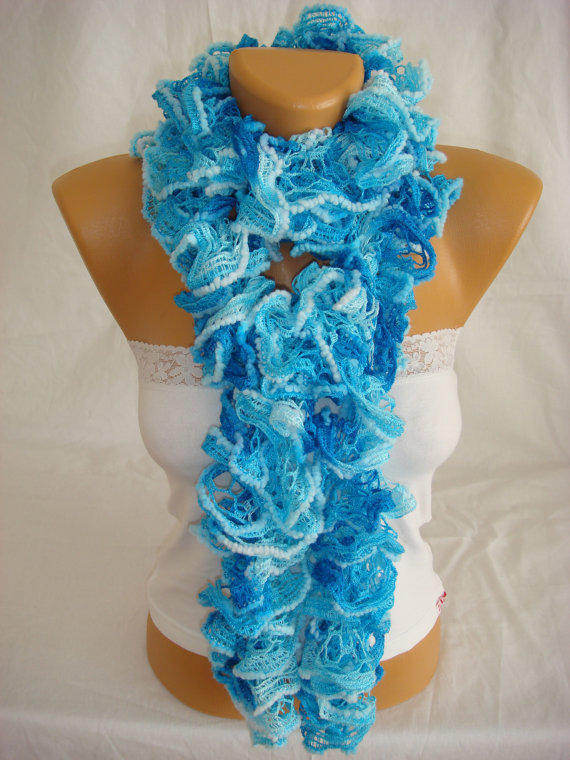Hand knitted sky blue ruffled scarf by Arzus on Etsy