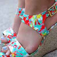 Good Vibes Wedge - Hot Coral