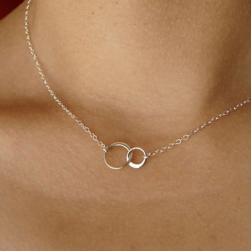 Tiny Linked Circles Necklace in Sterling Silver, Pendant Necklace, Wedding Necklace, Bridesmaid gift