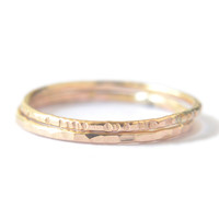 Signe 1mm - 2 gold stacking rings