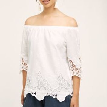 HD in Paris Rhine Off-The-Shoulder Top in White Size: