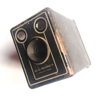 Vintage Kodak box camera, Brownie D, Kodak 620 film, camera, photography, photographic history, photo