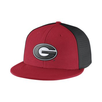 Nike College Players True Swoosh Flex (Georgia) Fitted Hat Size FLX (Red)