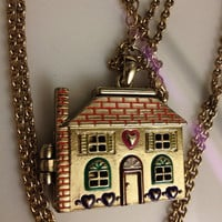 Home is Where the Heart Is  Locket by LosDiasDeRamen on Etsy
