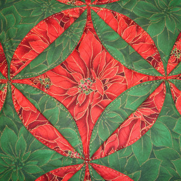 Christmas Table Runner Quilt Table Top Centerpiece  - Poinsettia Table Runner, Red and Green Table Topper Centerpiece