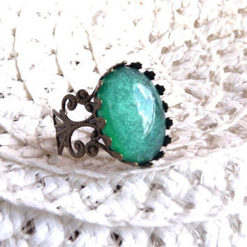 Emerald Green Ring Antique Bronze Ring Victorian Vintage Ring The Great Gatsby Cocktail Ring