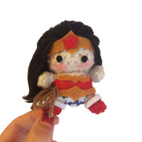 Wonder Woman Crochet Amigurumi - DC Comics