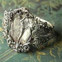 Victorian trading Co. - www.victoriantradingco.com - Windswept Bracelet