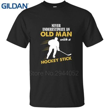 Normal Never Underestimate An Old Man Ice Hockeyer Kawaii black t shirts for men Arrival tee shirts Hipster