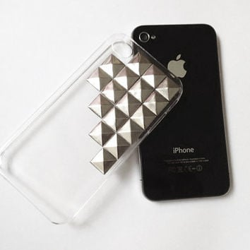 Studded Pyramid iphone 4 Clear Case