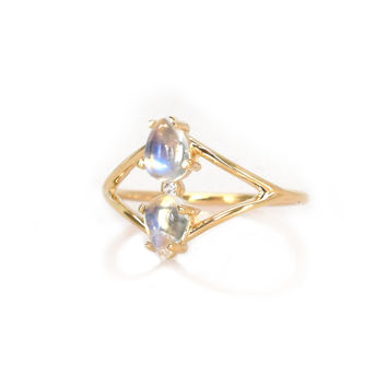 14kt Gold Moonstone and Diamond Fleurette Ring