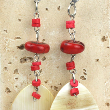 Horn earring with horn drops shapes combined with coral scales. NS-112