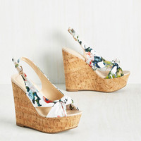 Height-Hearted Wedge in Floral