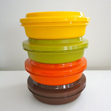 Vintage Tupperware Stackable Bowls with Lids Retro 70s by KimBuilt