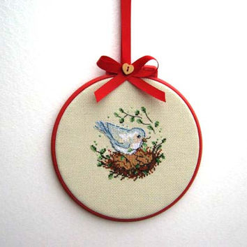 Rustic bird - Hand embroidered hoop, handmade, Gift, vintage style, home decore,Gift for birthday, red, bird, gift for Christmas