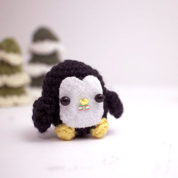 kawaii penguin plush - crochet amigurumi