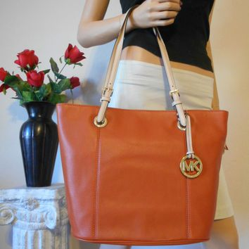 NWT MICHAEL KORS MK ORANGE PEBBLED LEATHER HOBO SHOULDER BAG TOTE PURSE CHARM