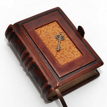 "Small brown leathervintage key journal- vintage style, 4""x5.7"", 10x14.5cm"