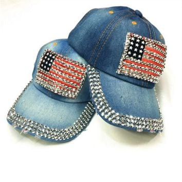 Fashion An American flag baseball cap